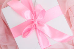 Gift box with pink ribbon and bow Royalty Free Stock Photos