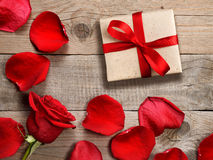 Gift box and red rose Stock Images