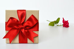 Gift box and a rose Royalty Free Stock Photography