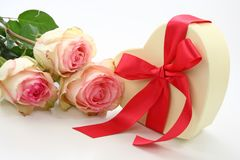 Gift box and roses Royalty Free Stock Photography