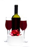Gift box and two glasses of wine Royalty Free Stock Photos