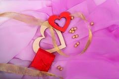 Gift met roze lint, hart Royalty-vrije Stock Foto