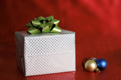 Gift package Royalty Free Stock Images