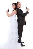 Gift parproblemdisharmoni, brudbrudgum med vapnet royaltyfria foton