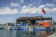 Gift som brukar på havet nära Nam Du Island arkivbilder