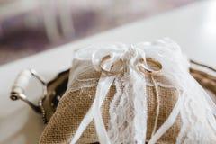 Gifta sig blommabrudcirklar Royaltyfri Bild
