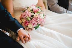 Gifta sig blommabrudcirklar Arkivbilder