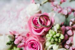 Gifta sig blommabrudcirklar Fotografering för Bildbyråer