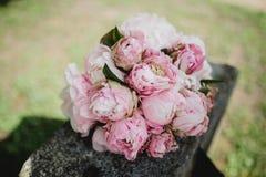 Gifta sig blommabukettcirklar Royaltyfri Bild