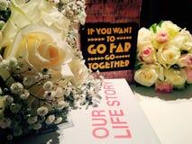 Gifta sig blomman, steg, den härliga blomman, bakgrund som gifta sig minne Royaltyfri Foto