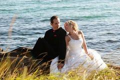 Gifta sig - brud och brudgum arkivbild