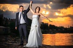 Gifta sig dans, solnedgång, strand royaltyfri fotografi