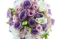 Gifta sig den rosa buketten som isoleras på vit Royaltyfria Bilder
