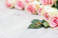 gifta sig för blommacirklar Royaltyfria Bilder