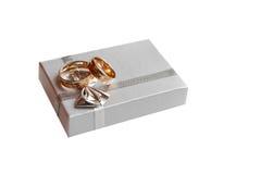 gifta sig för guldcirklar för ask celebratory Arkivbild