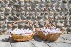 Gifta sig för kronblad för korgar rosa Royaltyfria Foton