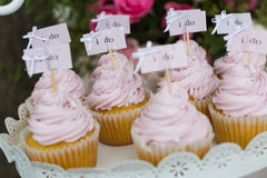 gifta sig för muffiner Arkivfoto