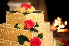 gifta sig för ro för cake rött royaltyfria bilder