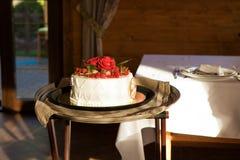 gifta sig för ro för cake rött Arkivbilder