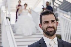 Gifta sig först look Arkivfoton