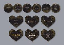 Gifta sig fastställd hjärta forma kort och etiketter med abstrakta guld- konfettibakgrunder Arkivfoto