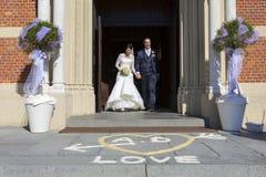 Gifta sig i kyrka Fotografering för Bildbyråer