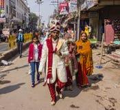 Gifta sig i Varanasi Arkivbilder