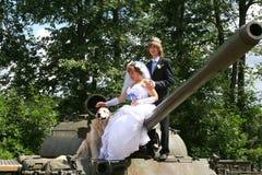 Gifta sig på behållaren royaltyfria foton