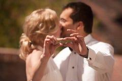 Gifta sig par Royaltyfria Bilder