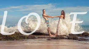 Gifta sig par, förbindelse Bröllopsresasommarlopp på Bali Fotografering för Bildbyråer