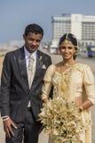 Gifta sig par i Colombo, Sri Lanka royaltyfri bild