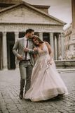 Gifta sig par i Rome, Italien Arkivbild