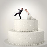 Gifta sig rolig tårta Fotografering för Bildbyråer