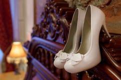 Gifta sig skon av skon Arkivbild