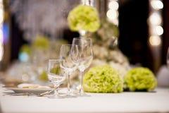 Gifta sig tabellen Royaltyfria Bilder