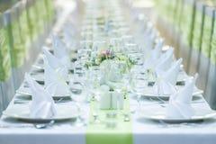 Gifta sig tabellen och stolar Royaltyfri Fotografi