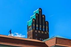 Gifta sig tornet på Mathildenhoehe i Darmstadt, Tyskland Royaltyfria Foton