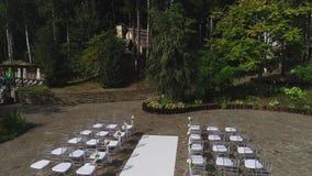 Gifta sig utomhus- ceremoni
