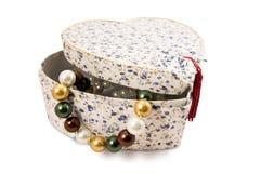 Giftbox com pérolas Fotos de Stock Royalty Free