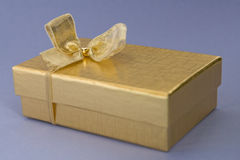 giftbox złoty obrazy stock