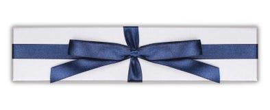 Giftdoos met de blauwe boog van het satijnlint, Royalty-vrije Stock Foto