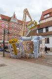 Giften en kraan als Kerstmisdecoratie in oude stad van Gdansk Royalty-vrije Stock Fotografie