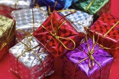 Giften van alle kleuren Stock Foto's