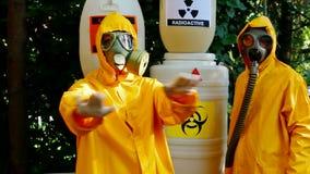 Giftig afval stock videobeelden