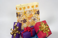 Gifts and shopping bag Royalty Free Stock Photos