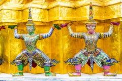Gigante dos en la pagoda del oro, palacio magnífico, Bangkok, Tailandia Fotografía de archivo libre de regalías