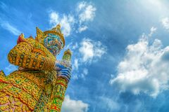 Gigante en el palacio magnífico de Tailandia Foto de archivo
