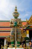 Gigante no templo de Emerald Buddha ou do WAT PHRA KAEW de Imagens de Stock