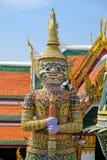 Gigante no templo de Emerald Buddha ou do WAT PHRA KAEW de Imagem de Stock