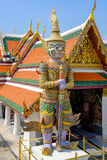 Gigante no templo de Emerald Buddha ou do WAT PHRA KAEW de Foto de Stock Royalty Free